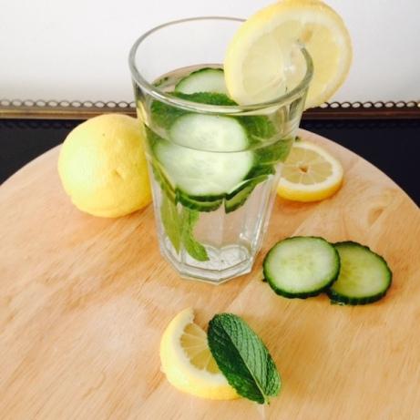 eau-fruitee-verre