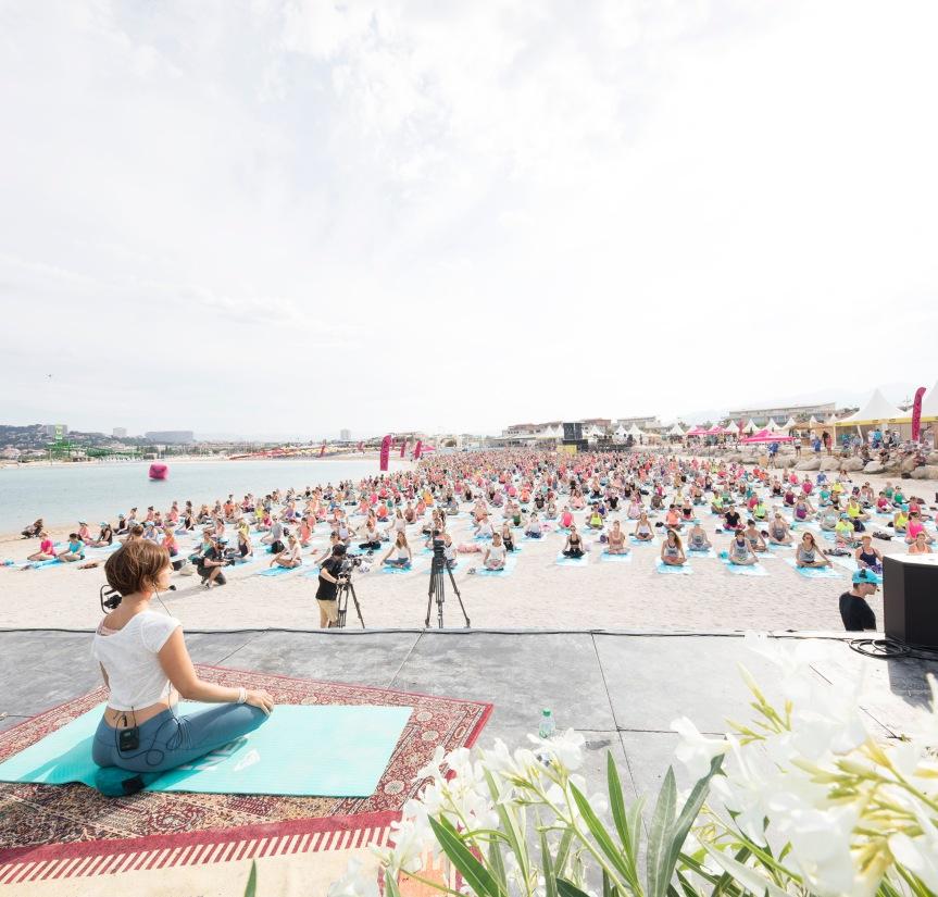 La Minute Healthy : une séance de yoga avec RoxyFitness