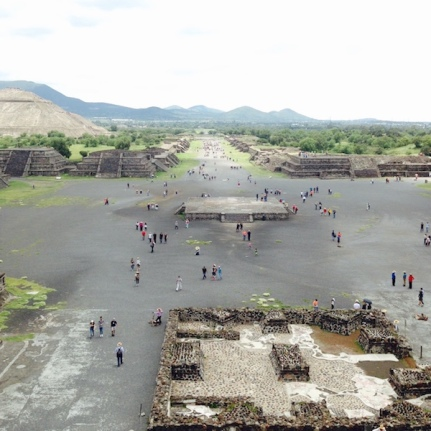 mexico-teotihuacan-chausée des morts