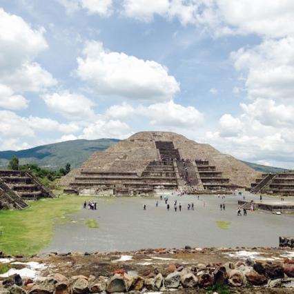 mexico- teotihuacan-temple de la lune
