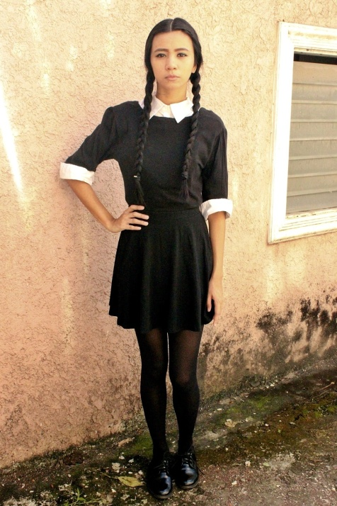 diy-wednesday-addams-costume-halloween